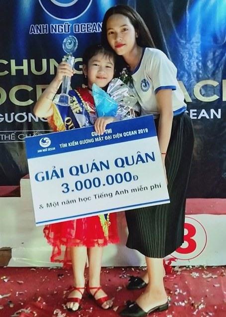 Thí sinh Lê Nguyễn Thục Quyên được chọn làm gương mặt đại diện thương hiệu Ocean năm 2019 của Trung tâm Anh ngữ Ocean Quảng Nam. Ảnh: C.N
