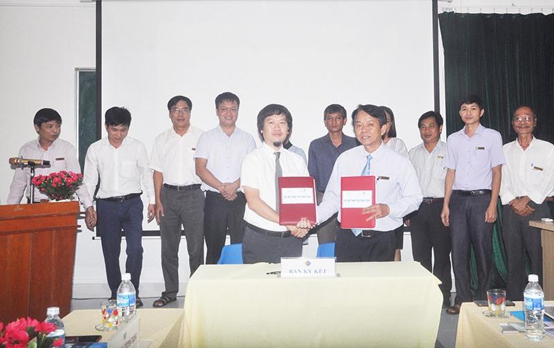 Trường Cao đẳng Kinh tế - kỹ thuật Quảng Nam ký kết thỏa thuận hợp tác với Công ty CP ICDL Việt Nam. Ảnh: X.P