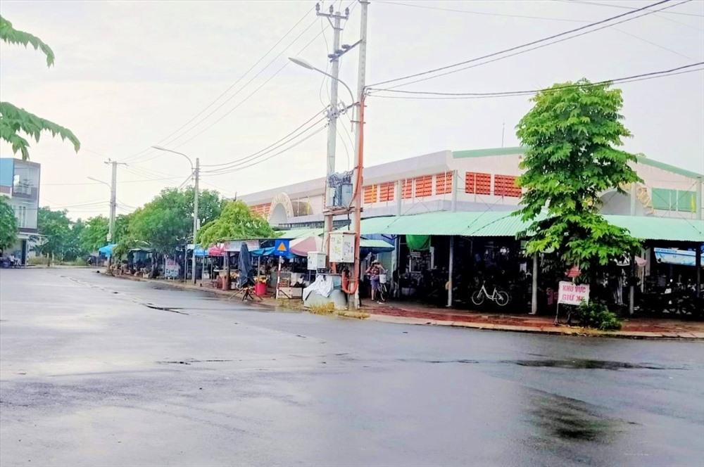 Đường sá thông thoáng tại khu dân cư phố chợ Điện Thắng Trung. Ảnh: L.T