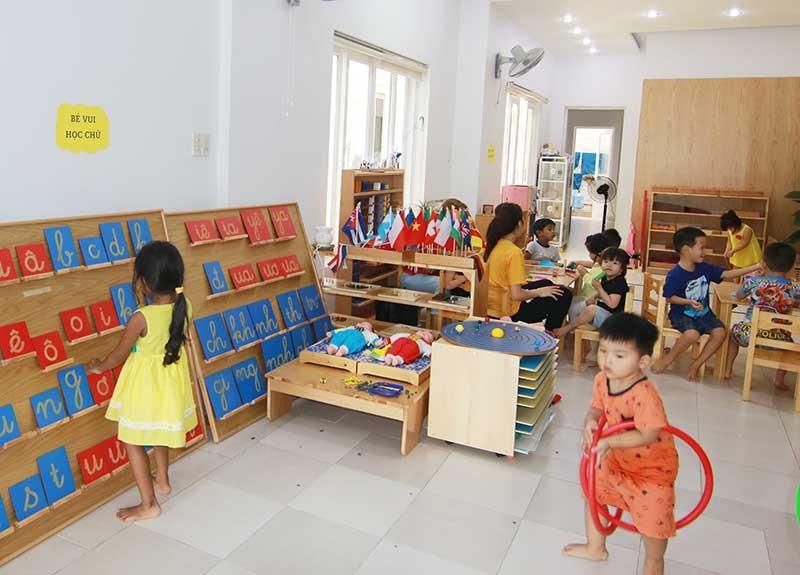 Một buổi học theo tinh thần Montessori tại Trường Monties Preschool (TP.Tam Kỳ). Ảnh: K.L