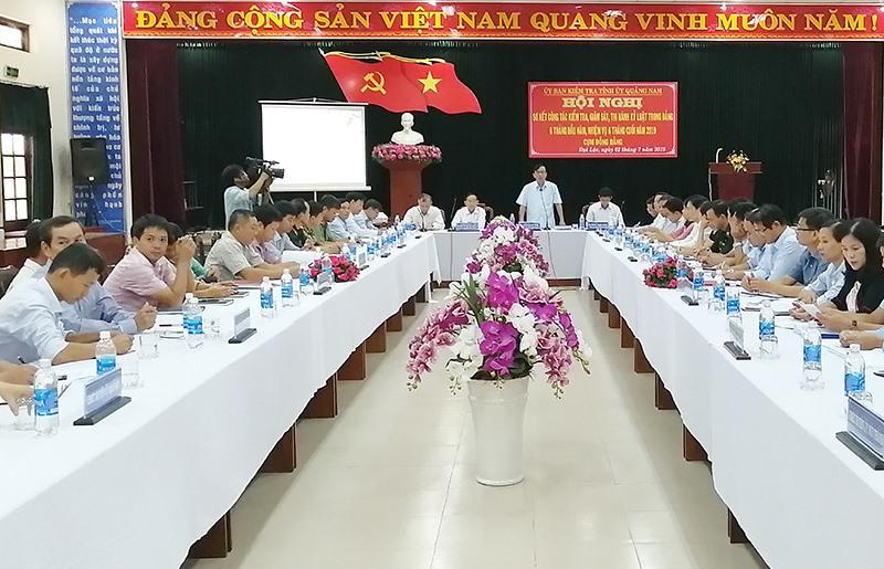 Thường trực UBKT Tỉnh ủy tổ chức giao ban công tác kiểm tra, giám sát, kỷ luật Đảng năm 2019 cụm đồng bằng. Ảnh: N.Đ