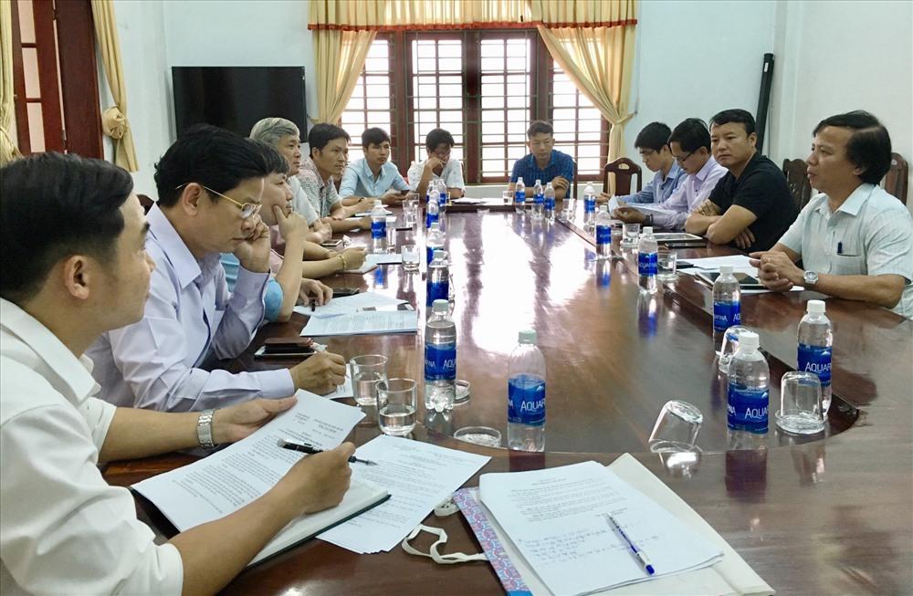 Tổ công tác hỗ trợ khởi nghiệp đổi mới sáng tạo Quảng Nam làm việc với CLB Khởi nghiệp đổi mới sáng tạo huyện Hiệp Đức. Ảnh: PHAN VINH
