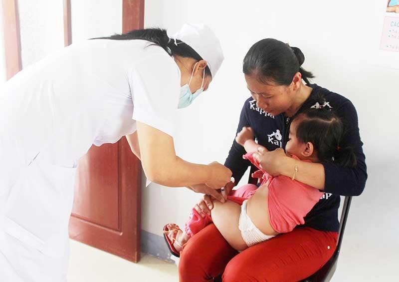 Cần tiêm vắc xin kịp thời khi bị động vật nghi dại cắn. (ảnh minh họa).