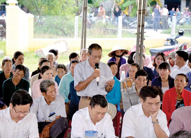 Quang cảnh buổi đối thoại tại Nhà văn hóa thôn Bích Nam vào sáng 25.10.Ảnh: T.H