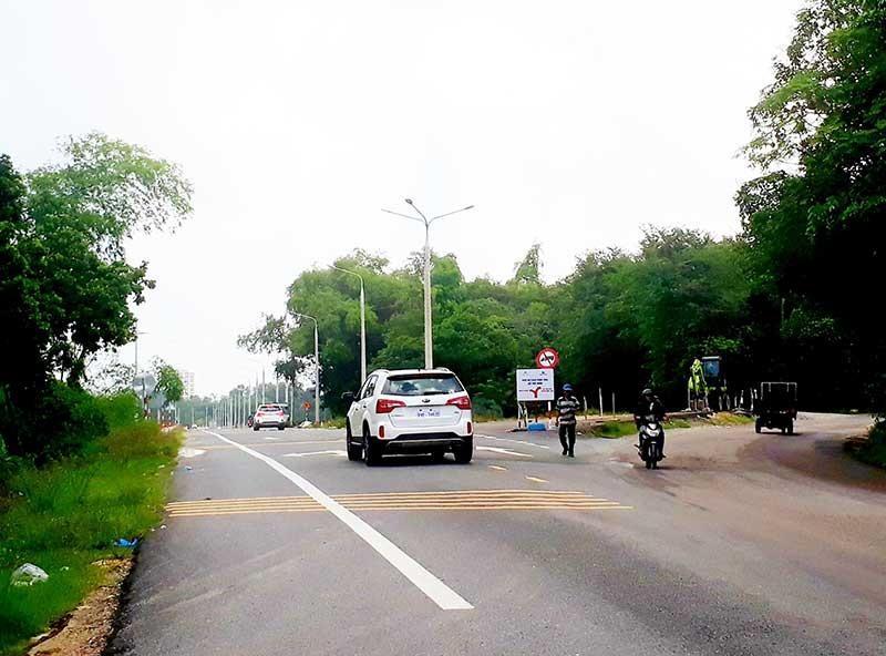 Nút chập đường Điện Biên Phủ - quốc lộ 40B. Ảnh: X.T