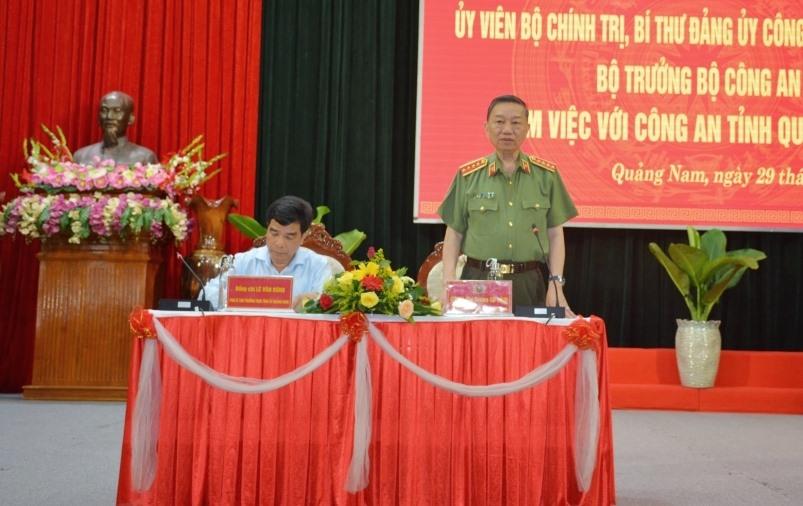 Bộ trưởng Bộ Công an Tô Lâm phát biểu tại buổi làm việc với Công an tỉnh Quảng Nam. Ảnh: X.M