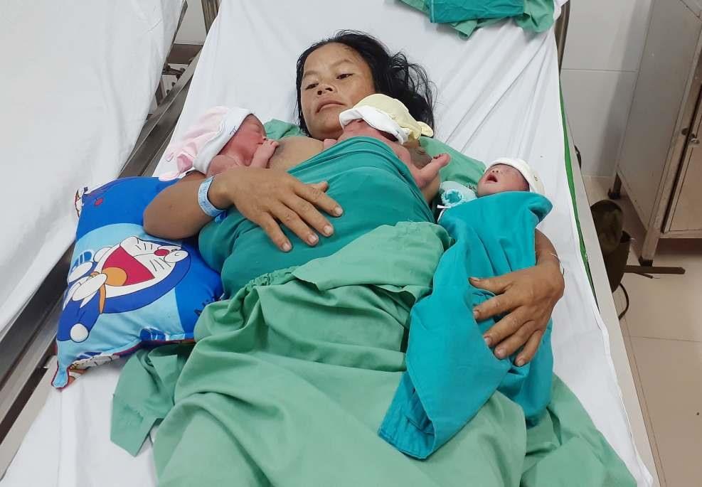 Ca sinh ba tự nhiên hiếm gặp tại Quảng Nam. Ảnh: XUÂN HIỀN