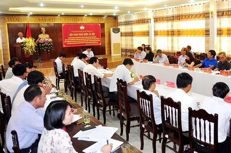 Ủy ban MTTQ Việt Nam tỉnh tổ chức hội nghị phản biện về dự thảo đề án liên quan đến chế độ cho cán bộ không chuyên trách. Ảnh: VINH ANH