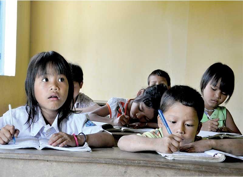 Học sinh tiểu học và trẻ mẫu giáo ở 6 huyện miền núi cao của tỉnh sẽ được uống sữa học đường 5 lần/tuần. Ảnh: X.P
