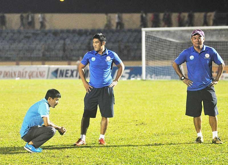 Ban huấn luyện Sanna Khánh Hòa cần sớm quên đi nỗi buồn rớt hạng để làm lại từ đầu. Ảnh: A.N