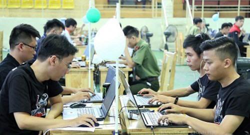 """Các đội dự thi """"Sinh viên với an toàn thông tin ASEAN 2019"""". Ảnh: N.T.B"""
