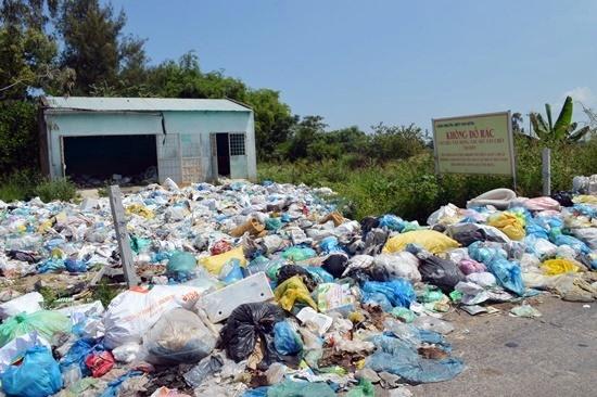 Việc xây dựng nhà máy xử lý rác thải sẽ giúp Điện Bàn chủ động trong việc thu gom, xử lý rác thải sinh hoạt. Ảnh: V.LỘC