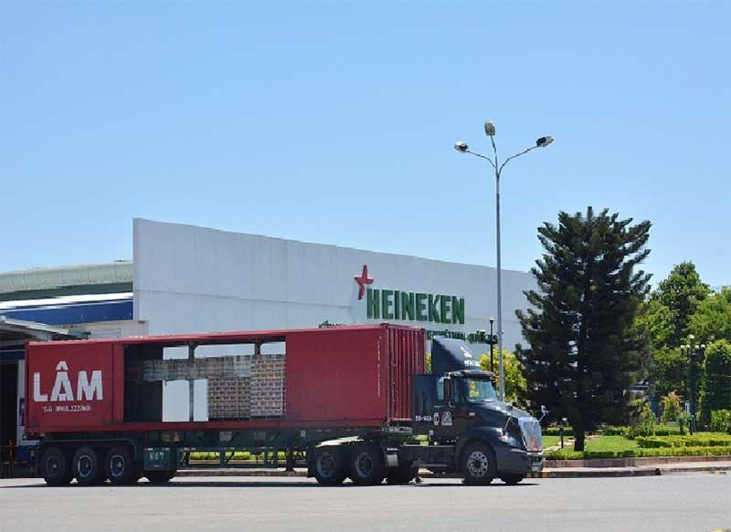 Nhà máy bia Heineken tại Quảng Nam dự kiến nộp ngân sách tháng 11 hơn 120 tỷ đồng, lũy kế 11 tháng năm 2019 nộp 1.200 tỷ đồng, sẽ bù một phần vào hụt thu ngân sách trên địa bàn tỉnh. Ảnh: V.D