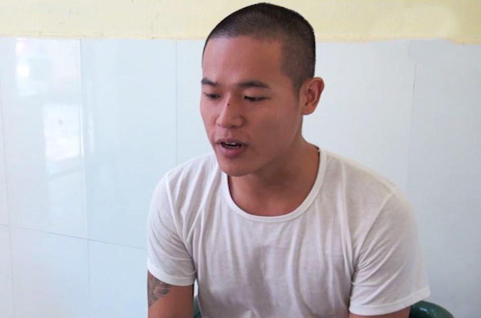 Đối tượng Nguyễn Hữu Long tại cơ quan điều tra. Ảnh: T.S