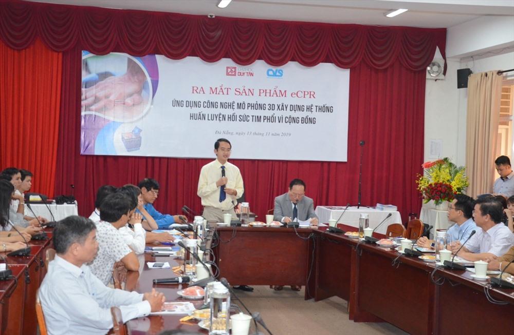 TS. Lê Nguyên Bảo - Hiệu trưởng Trường Đại học Duy Tân phát biểu tại buổi ra mắt sản phẩm eCPR. Ảnh: N.T.B