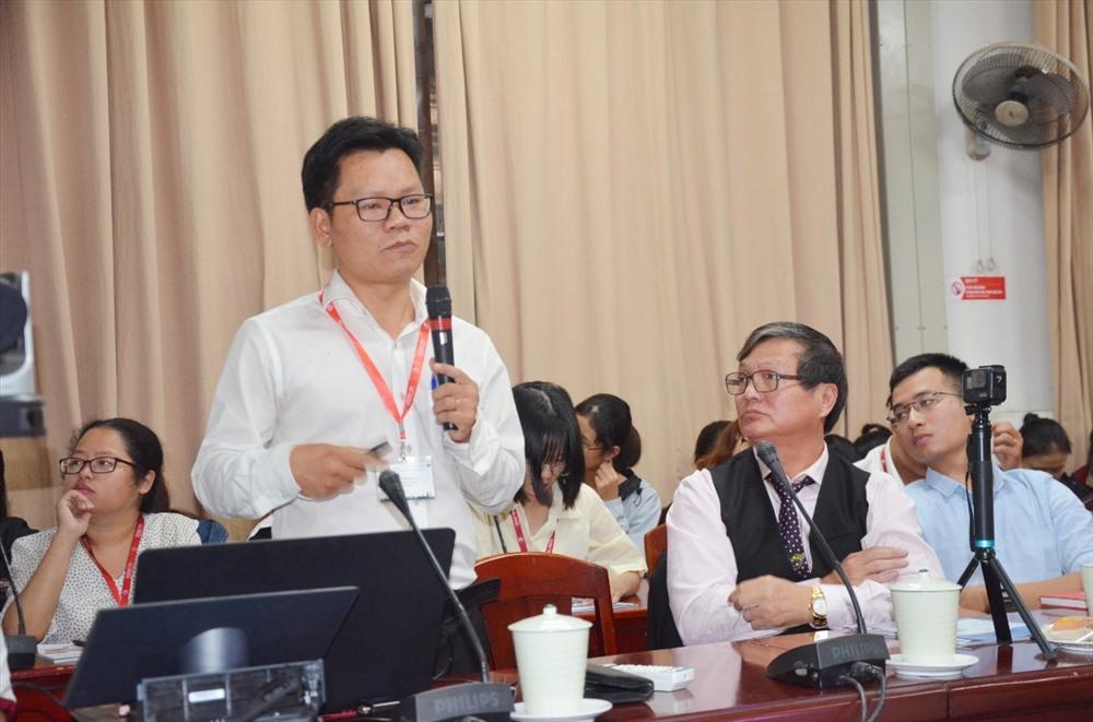 Th.S Lê Văn Chung - Giám đốc Trung tâm CVS Trường Đại học Duy Tân giới thiệu sản phẩm eCPR. Ảnh: N.T.B