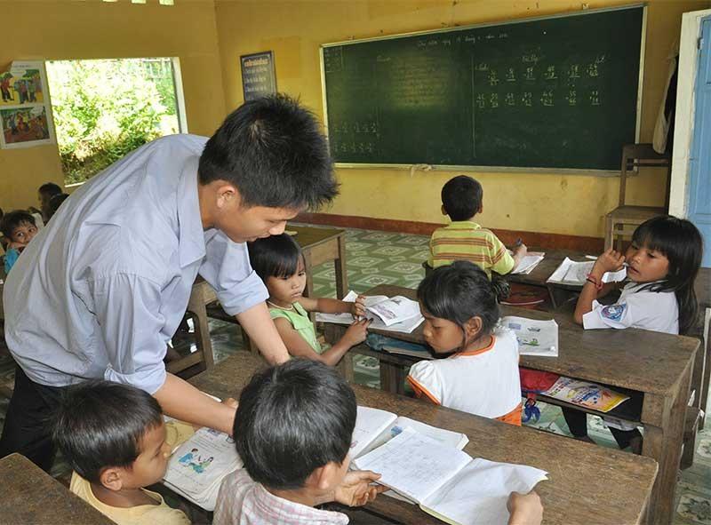 Xét tuyển giáo viên hợp đồng từ 2015 trở về trước sẽ giúp cho các thầy, cô giáo có điều kiện tiếp tục được đứng lớp. Ảnh: X.P