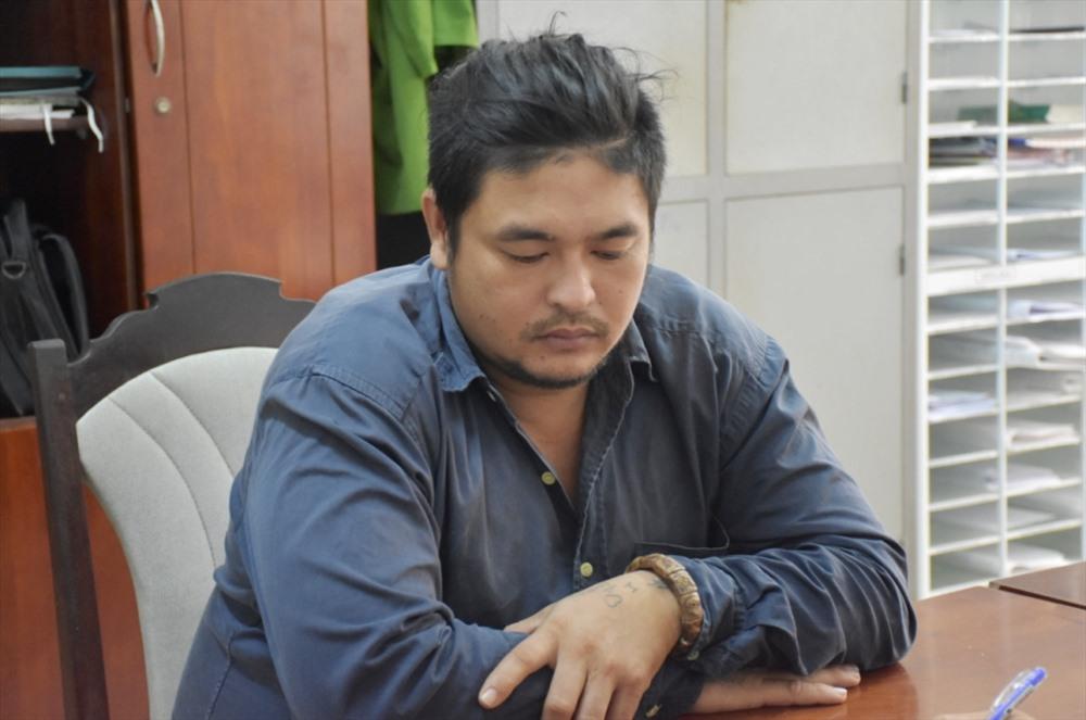 Đối tượng Nguyễn Sỹ Lành tại cơ quan công an. Ảnh: H.V