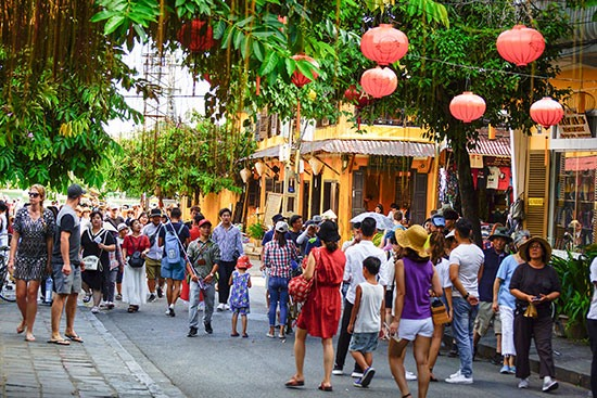 Space for walking and non-motorized vehicles in Hoi An ancient town.