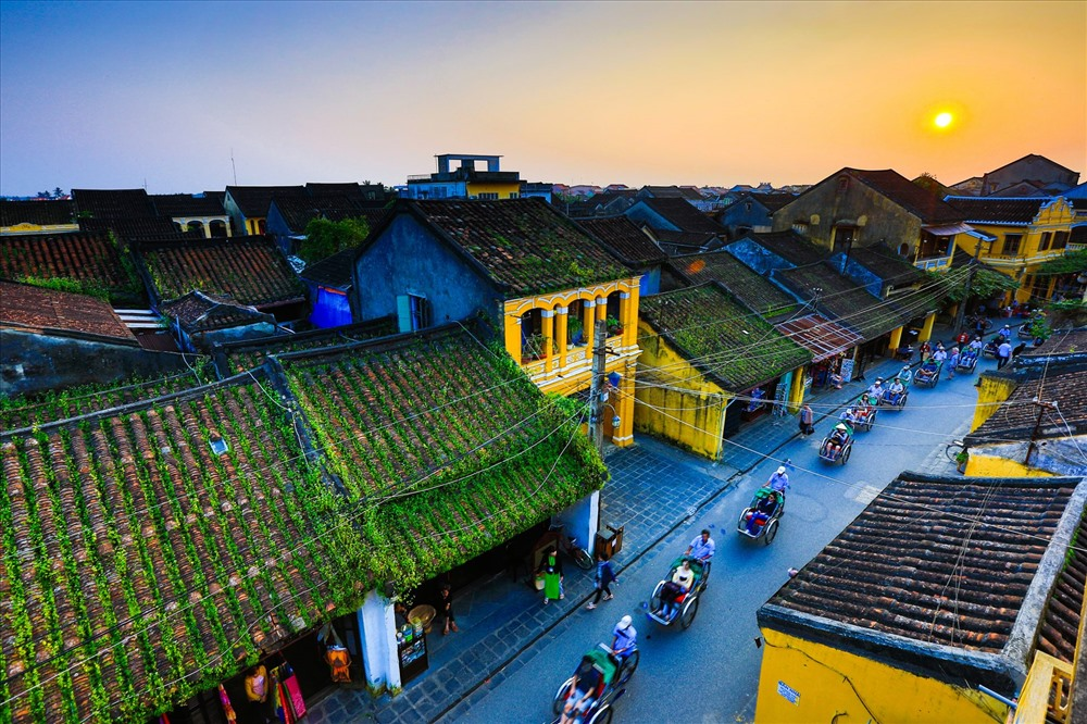 Saying no to plastic waste for clean Hoi An. Photo: istock