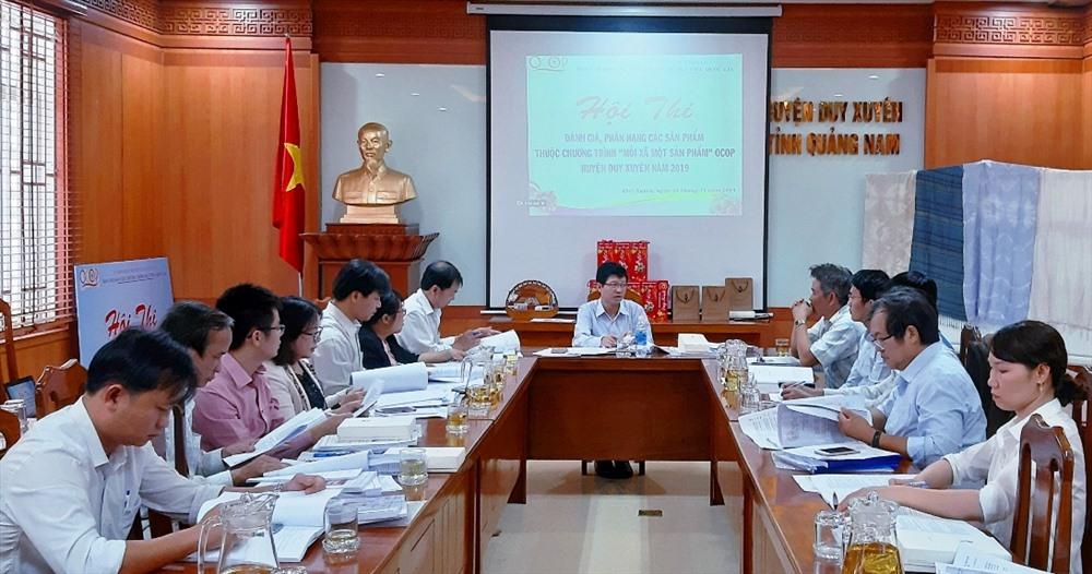 Hội thi đánh giá và phân hạng sản phẩm OCOP năm 2019 ở huyện Duy Xuyên. Ảnh: H.N