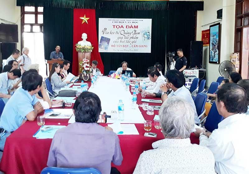 Tọa đàm văn học trẻ Quảng Nam.