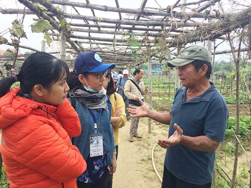 Du lịch học tập dần phát triển tại xã Cẩm Thanh (TP.Hội An), mở ra thêm một phương thức phát triển bền vững cho du lịch địa phương. Ảnh: Q.T