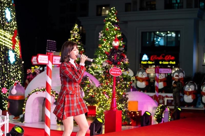 Ca sĩ Min tiết lộ sẽ ra mắt MV âm nhạc đầu tiên trong sự nghiệp về Giáng sinh.