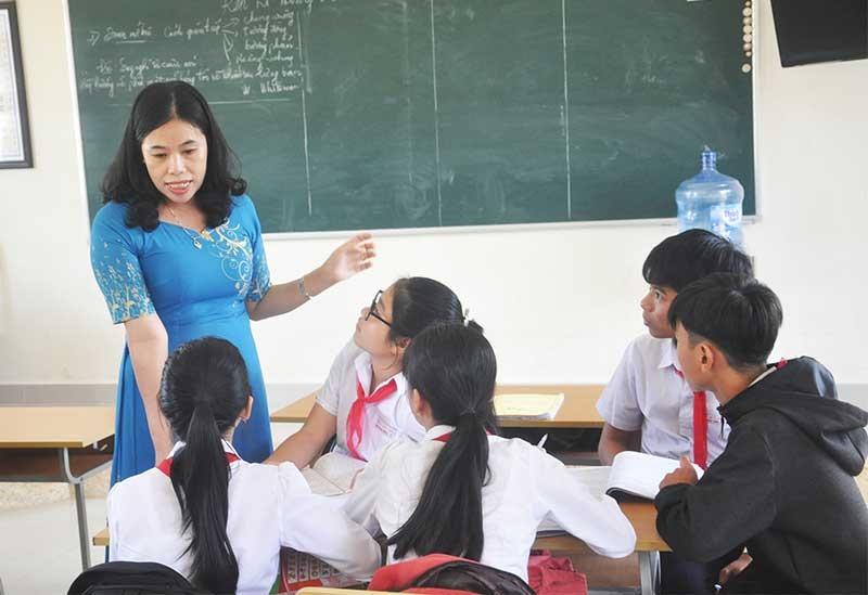 Giờ dạy Văn của Nhà giáo ưu tú Nguyễn Thị Bích Trâm (Phú Ninh). Ảnh: X.P