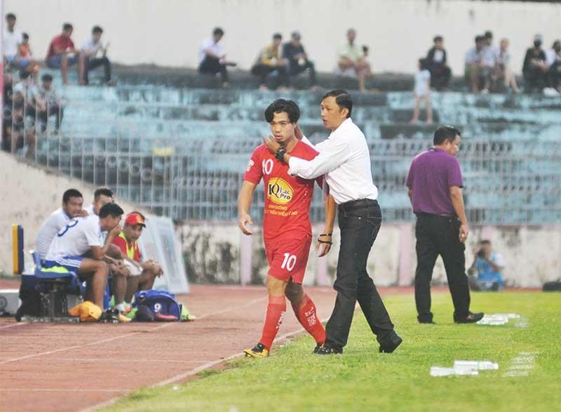 Nguyễn Công Phượng sẽ tìm lại chính mình khi trở lại V-League. Ảnh: A.N