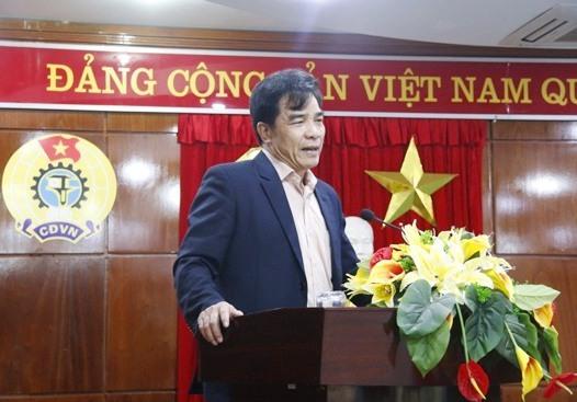 Phó Bí thư Thường trực Tỉnh ủy Lê Văn Dũng phát biểu tại hội nghị. Ảnh: D.L