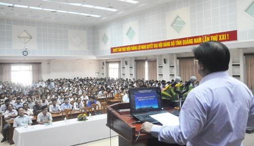 Giám đốc Sở GD-ĐT Hà Thanh Quốc phát biểu nhấn mạnh đến tầm quan trọng trong công tác coi thi. Ảnh: X.PHÚ