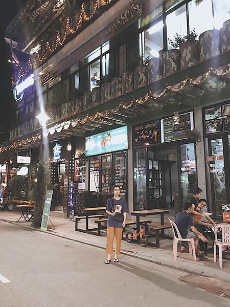 Khu phố Tây ở Huế. Ảnh: H.N.T