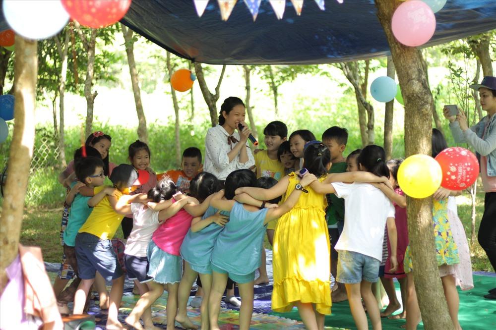 Trại hè được tổ chức trong một khu vườn ở xã Tam Ngọc, TP.Tam Kỳ. Ảnh: K.L