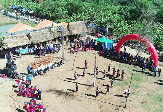 Không gian Ngày hội văn hóa thanh niên các dân tộc miền núi năm 2019. Ảnh: V.A