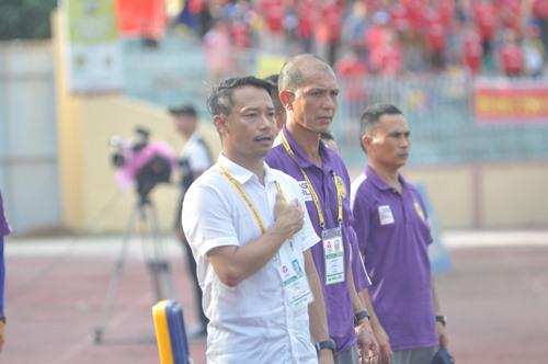 Màn ra mắt sân Tam Kỳ không thành công của HLV Vũ Hồng Việt. Ảnh: T.V