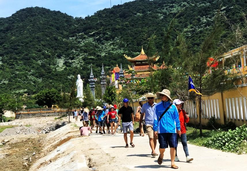Cù Lao Chàm hiện là điểm đến ưa thích của du khách. Ảnh: MINH HẢI