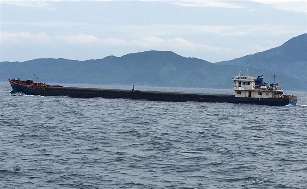 Tàu Nam Vỹ 79 chở hơn 2.500 tấn than bị tạm giữ. Ảnh: N.T