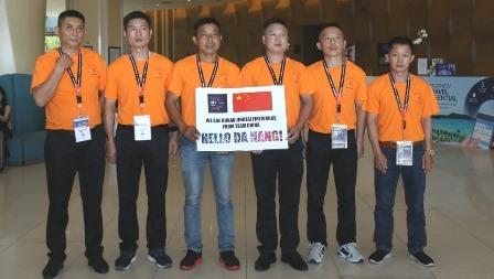 Các thành viên đội pháo hoa Trung Quốc tham dự DIFF 2019. Ảnh: V.S
