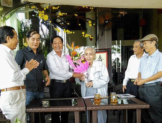 Cố nhạc sĩ Phan Huỳnh Điểu (Giải thưởng Hồ Chí Minh) tại lễ mừng thọ 100 tuổi của ông. Ảnh: B.ANH