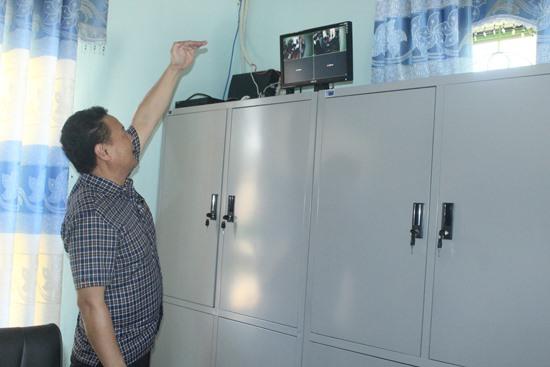 Các điểm thi đều được lắp đặt camera theo dõi tại các phòng chứa đề thi, bài thi. Ảnh: D.L