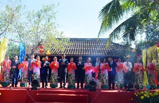 Khai mạc Festival Văn hóa tơ lụa, thổ cẩm Việt Nam - thế giới 2019. Ảnh: LINH QUÂN