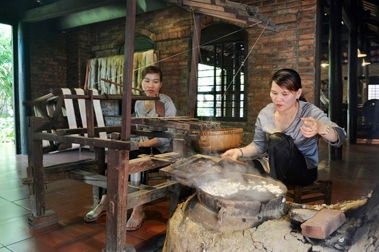 Silk production in Quang Nam.