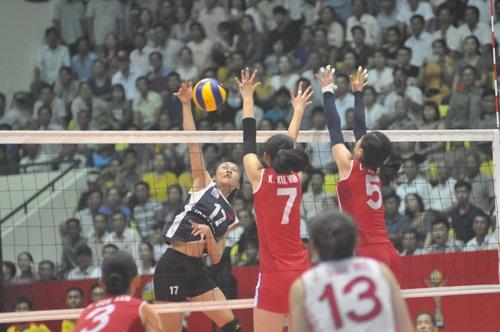 Đội tuyển Triều Tiên khởi đầu trận bán kết khá tốt. Ảnh: T.V