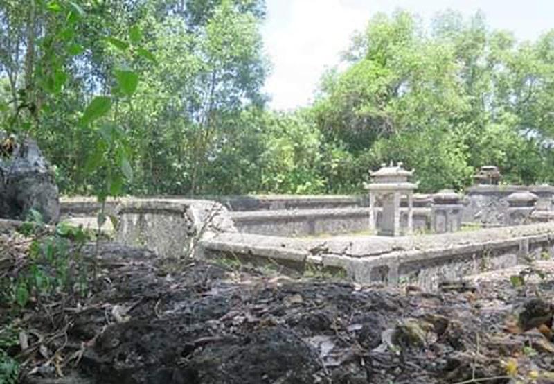 Mộ Nguyễn Văn Trương vừa tìm thấy ở Huế.