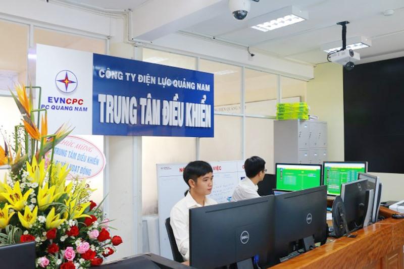 Trung tâm điều khiển xa đặt tại Phòng Điều độ - PC Quảng Nam. Ảnh: ĐẶNG HÙNG