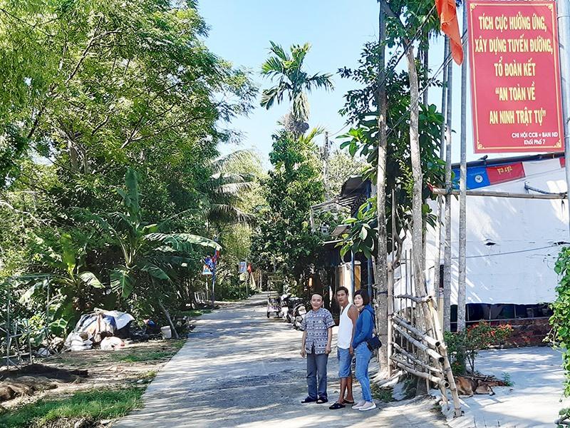 Những tấm pano tuyên truyền về an ninh trật tự đã góp phần đảm bảo an ninh trật tự tại địa bàn khối phố 7, phường An Sơn.