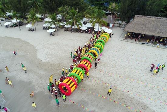Du lịch MICE kết hợp vui chơi giải trí đang là lợi thế của các địa phương có biển như Đà Nẵng, Hội An. Ảnh: KHÁNH LINH