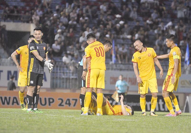 Thanh Hóa có trận thua thứ 5 liên tiếp và là đội duy nhất đến thời điểm này 2 lần thay HLV trưởng. Ảnh: A.S