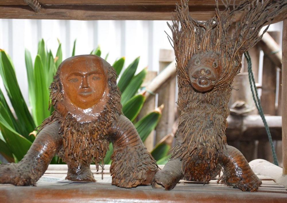Artistic products of bamboo roots.
